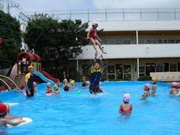 夏休みの自由登園 ~プールは楽しい~